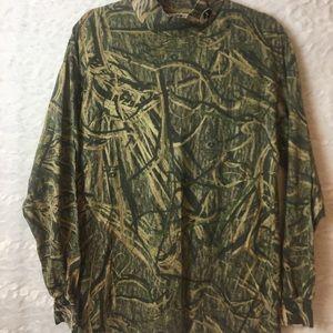 Mossy Oak Long sleeve camo size lrg B29